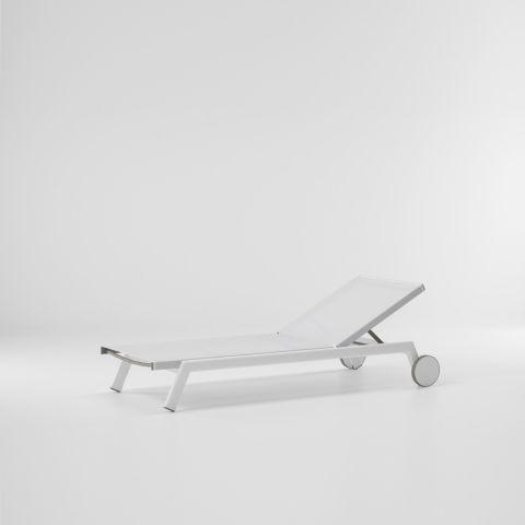 molo_deckchair_with_wheels.jpg