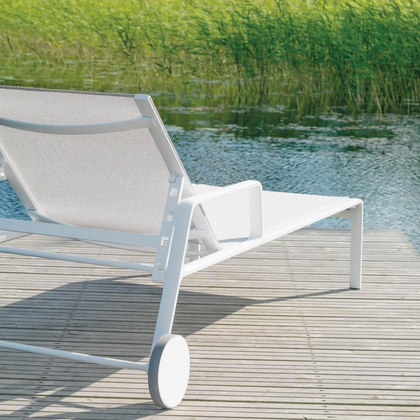 deckchair2_sQ.jpg